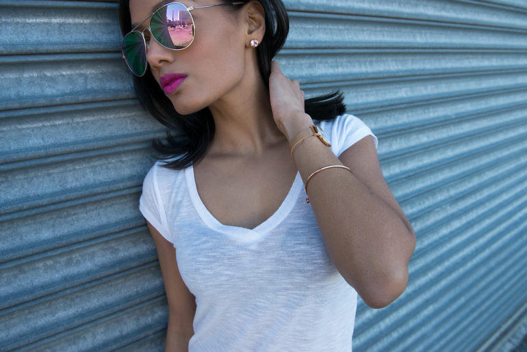 DIY Fitted White V-Neck Tee www.SweetShard.com