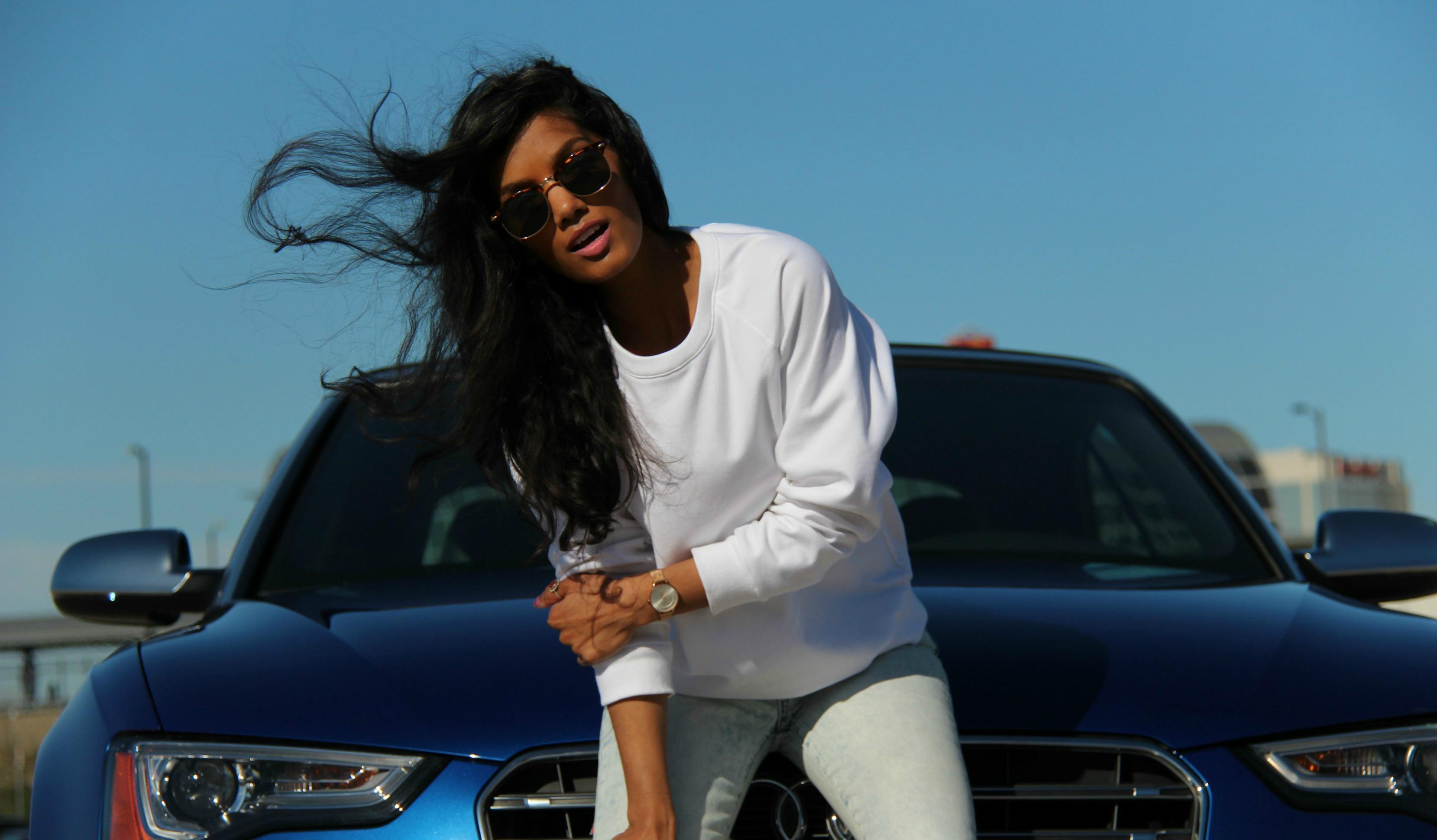 A White Raglan Sweatshirt – K3045