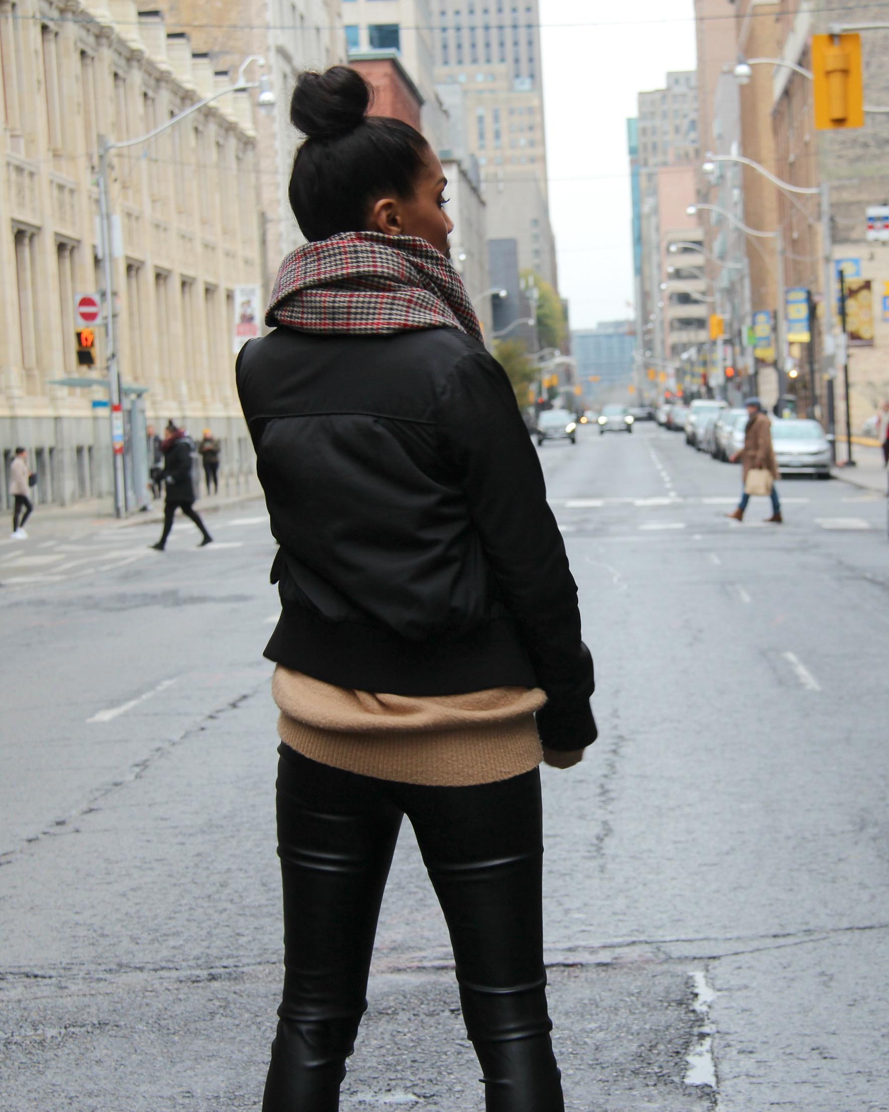 Sweet Shard - Burda Style 11/2016 #127 - Faux Leather Leggings