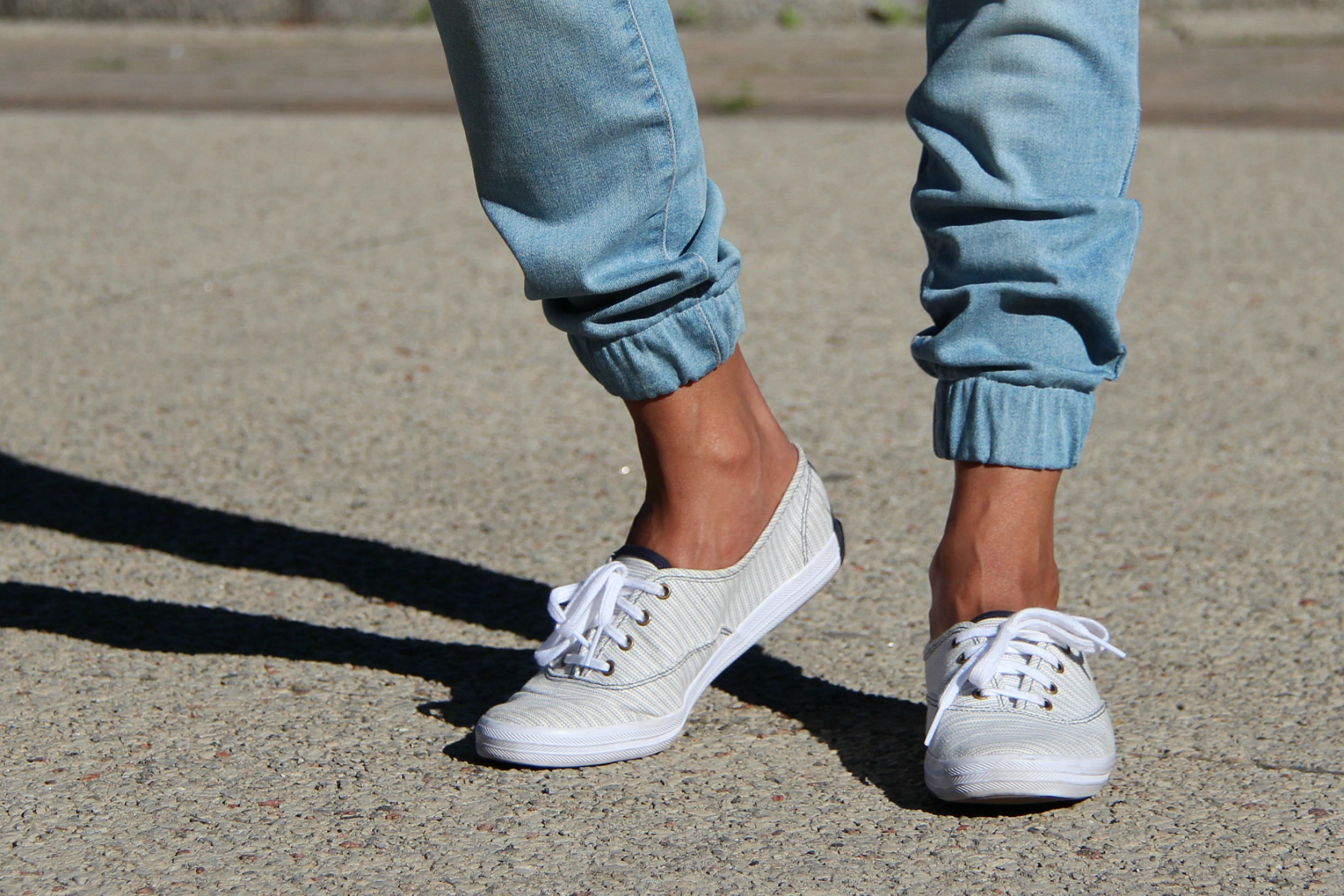 34faa171ecbf3 DIY Jogger Jeans Tutorial: Quick, Easy and Affordable Hack